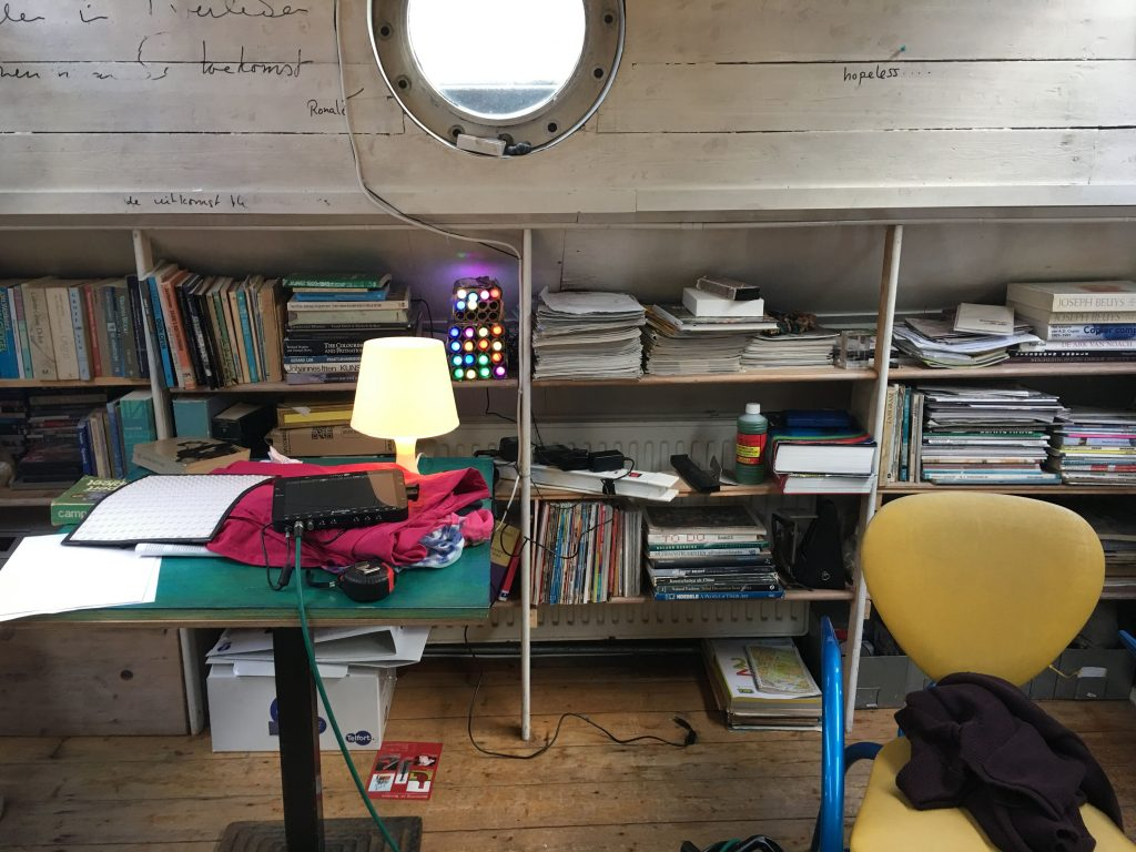 second-date-vr-virtual-reality-bts-erotic-film-houseboat-bookshelf